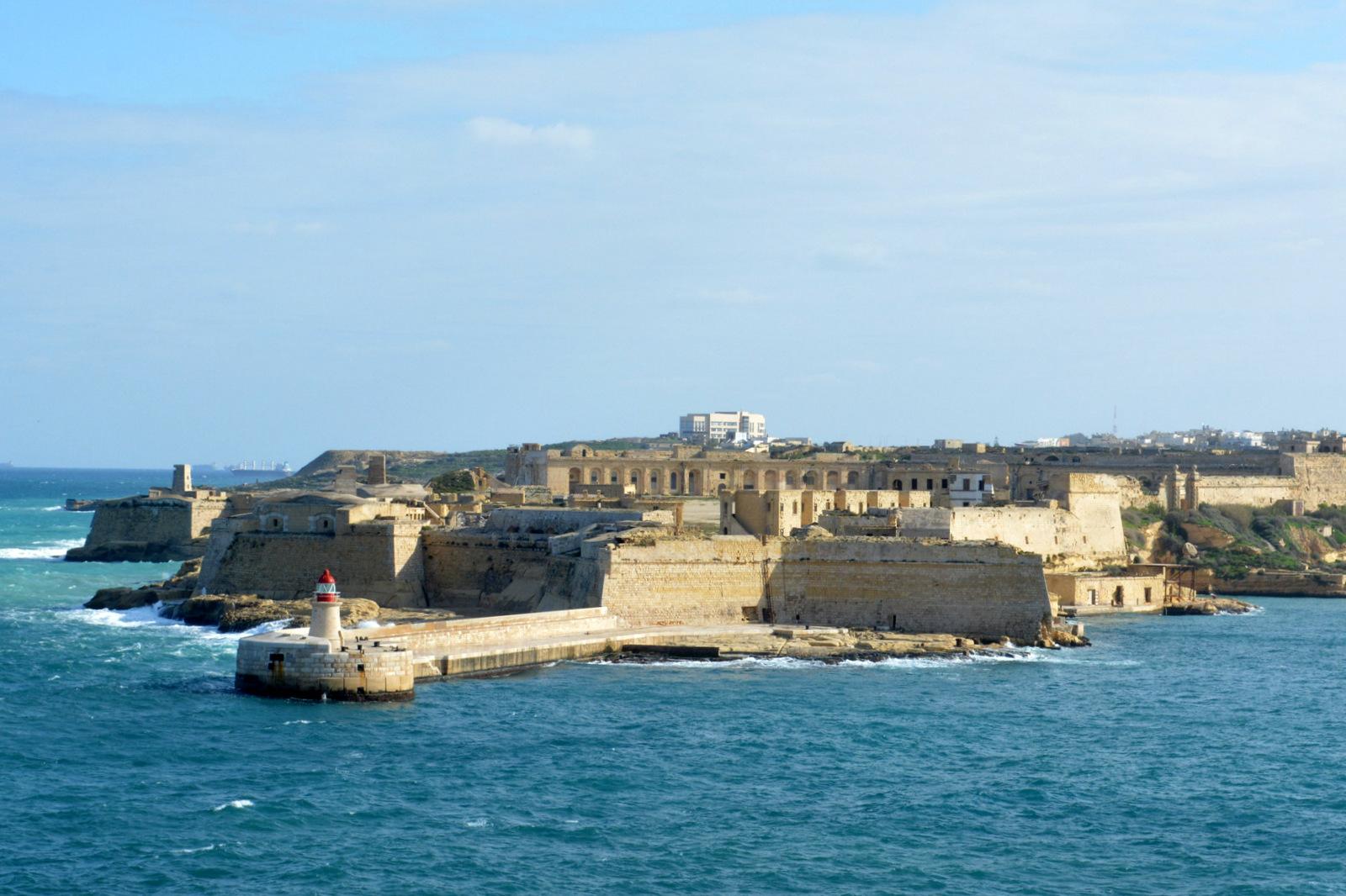 Вид на форт Рикасоли