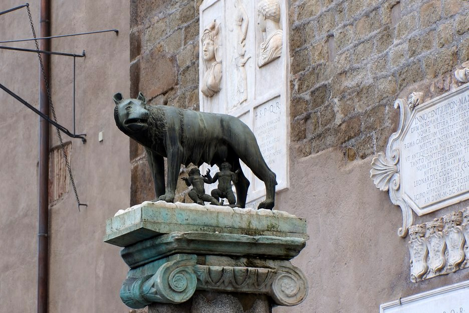 Капитолийская волчица, Рим